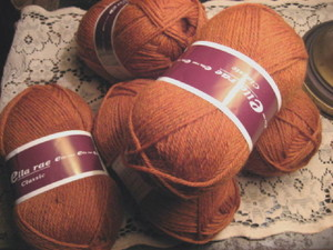Ella_rae_amber_colored_yarn